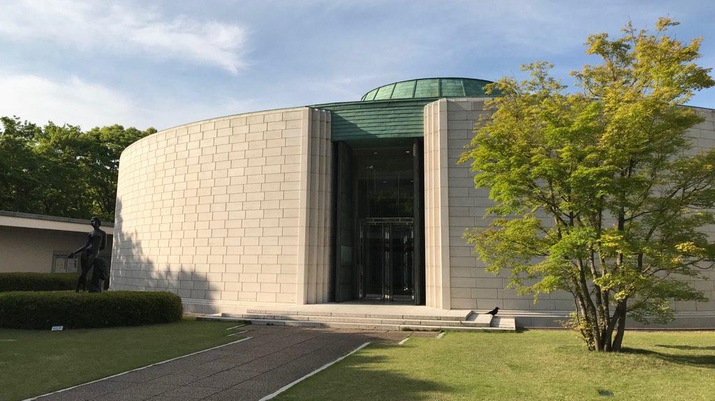 ひろしま美術館本館外観、遠くから