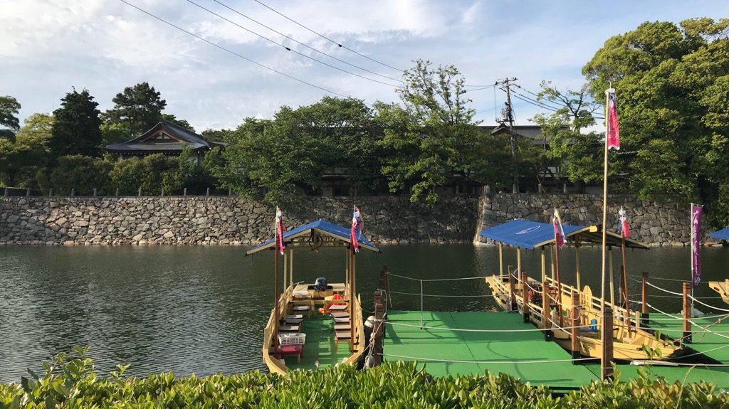 広島城遊覧船乗り場。舟はけっこう小ぶり