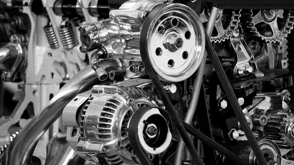 エンジンオイルの役割とは:潤滑、密封、冷却、洗浄、防錆