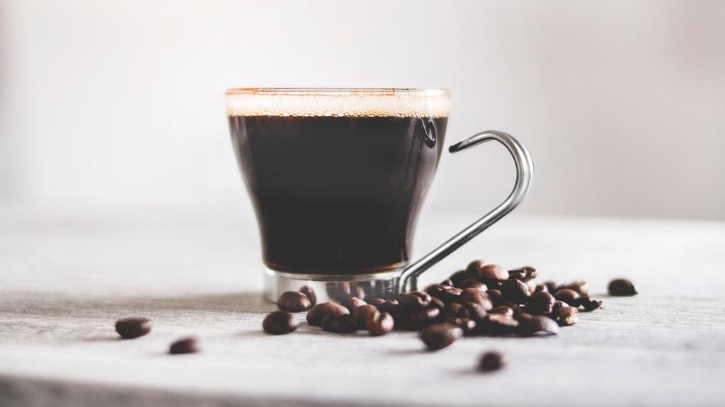 集中力を高めるオススメの方法②:コーヒーを飲んで眠気を飛ばす