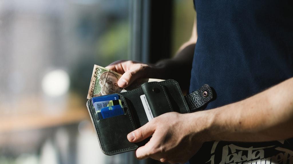 まとめ:コロナウィルス対策として、政府は現金給付を検討中。米国でも同対策が行われる見込み