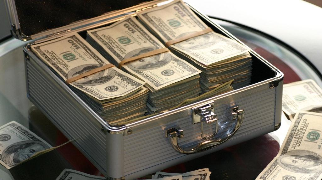 まとめ:世界の大富豪の特徴・共通点は創業者/その近親者/テック系創業者/投資家!