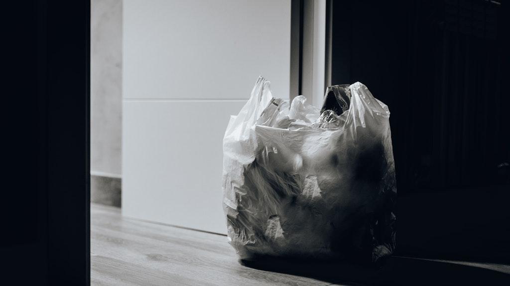 部屋が片付かない人の特徴・原因①:部屋が汚くても気にならない